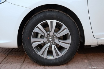 车型对对碰:新款长城C30 VS 新款V5菱致之外部配置