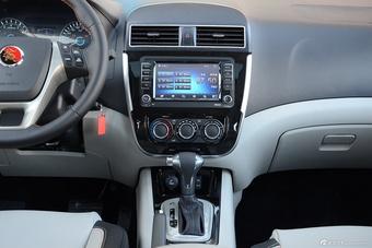 车型对对碰:新款景逸XV VS 新款哈弗H2s之内饰配置
