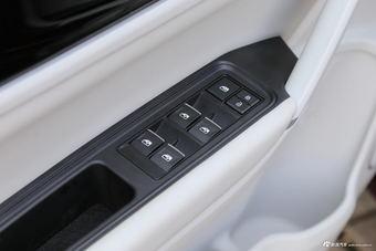 哪款配置更丰富 2017款景逸S50 PK 2018款启悦