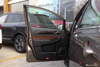 车型对对碰:2017款轩朗 VS 2017款北汽威旺M50F之内饰配置