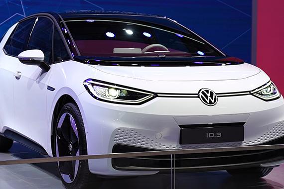 视频:和新浪汽车看进博会 看传统车企的电动车