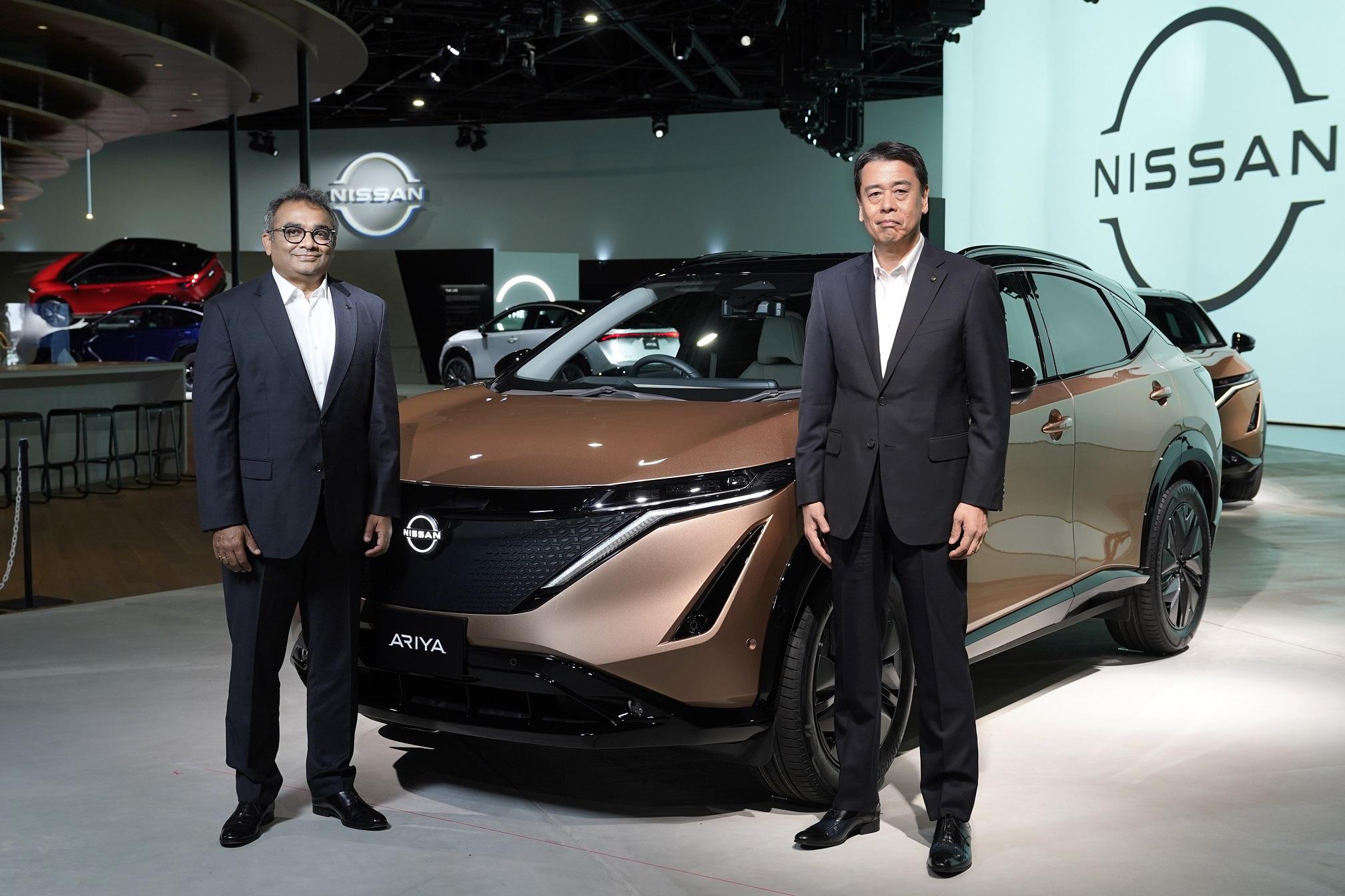 日产汽车公司首席执行官内田诚(Makoto Uchida)先生(右)和日产汽车公司首席运营官古普塔(Ashwani Gupta)先生(左)