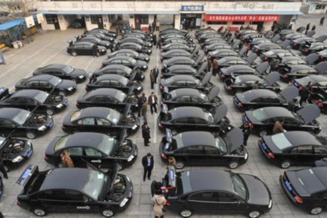 27省区市取消73.9万辆公车 需安置56.9万人