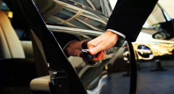 广州约谈专车公司 打击私家车专车