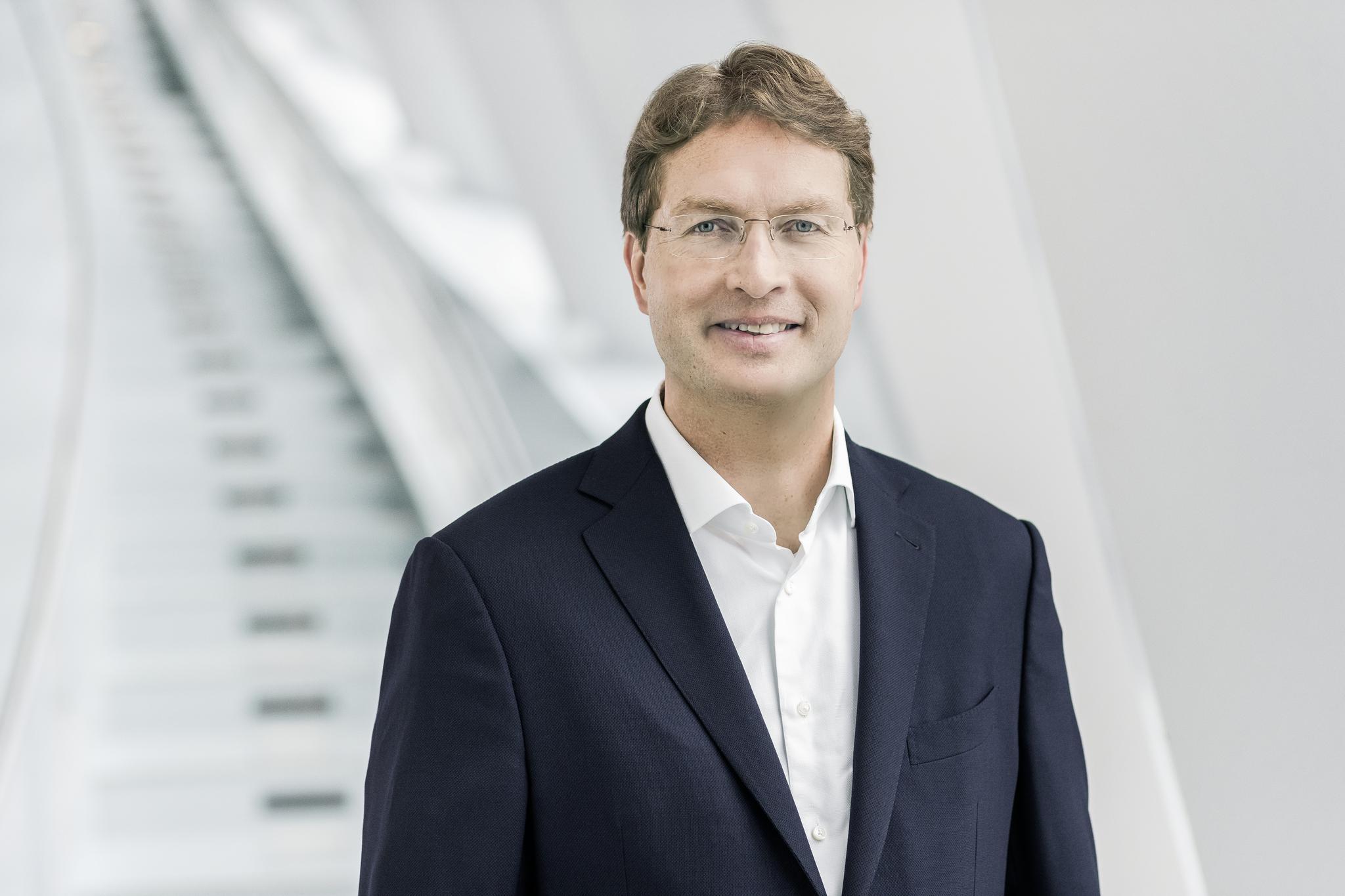 戴姆勒股份公司董事会成员、负责集团研发兼梅赛德斯-奔驰汽车集团研发 康林松(Ola Källenius)先生