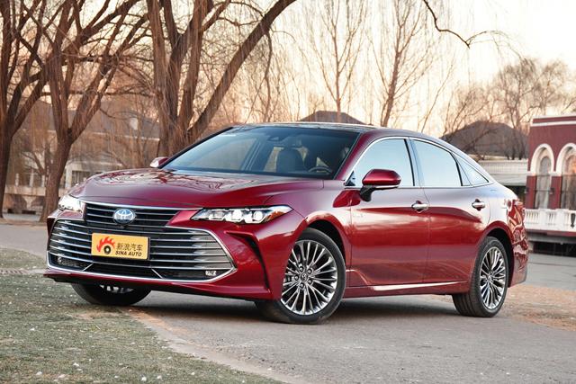 新车|丰田亚洲龙预售价公布 混动高配28.98万
