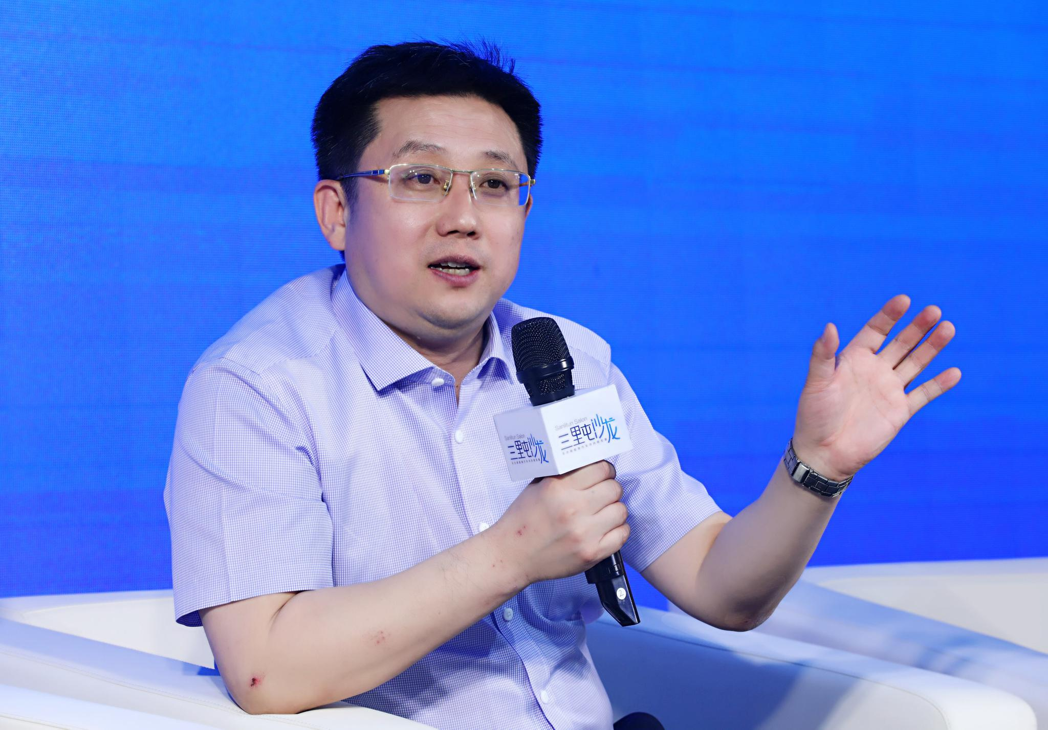 国家电网电动汽车公司董事长、原国家能源局科技司司长、规划司司长江冰