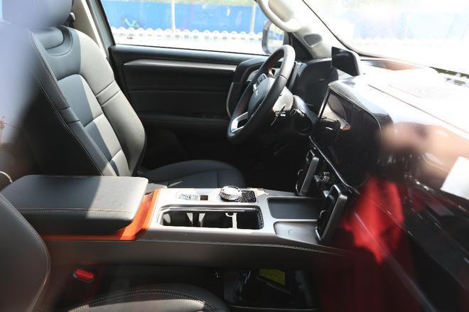 带着几分路虎神韵 哈弗发布全新SUV预告图