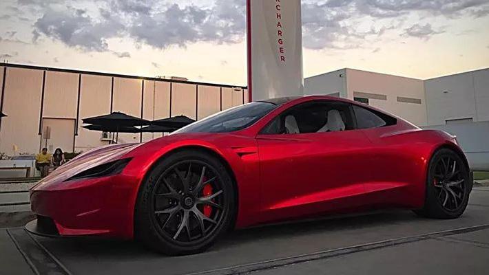 加速仅1.9秒 特斯拉新款Roadster原型谍照