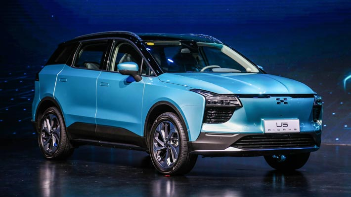 续航超620km 爱驰U5纯电SUV成都车展预售