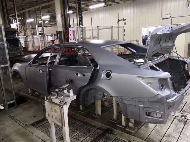 一汽丰田皇冠(第十四代)最后一辆下线,国产17年的皇冠车型在国内正式停产