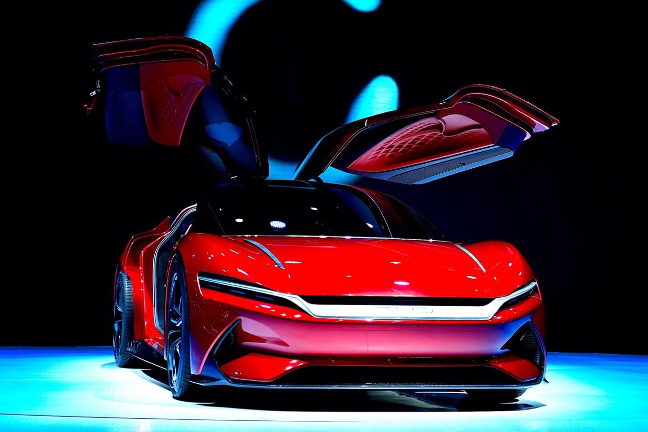 汉EV的外观设计传承自E-SEED GT概念车