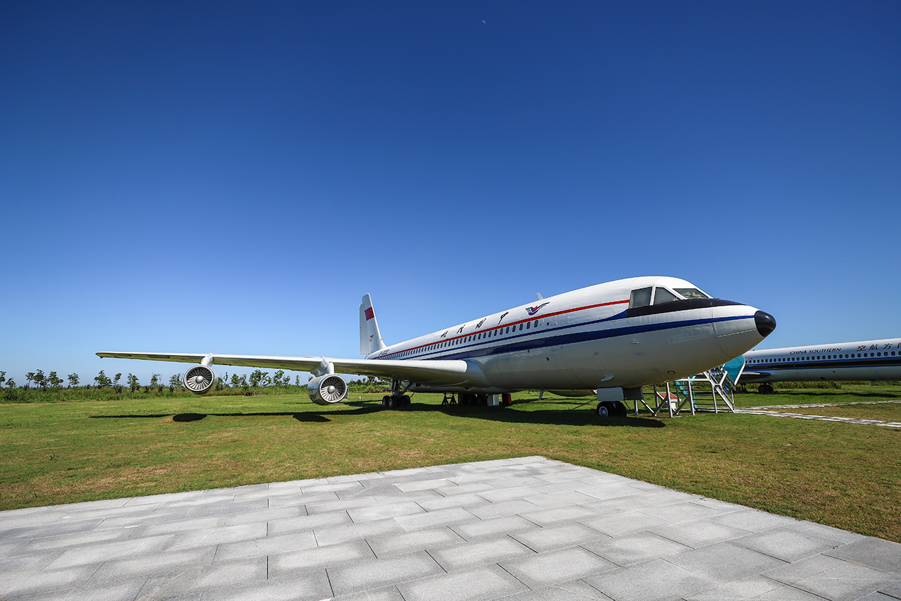 上世纪80年代的运10双通道四发大飞机