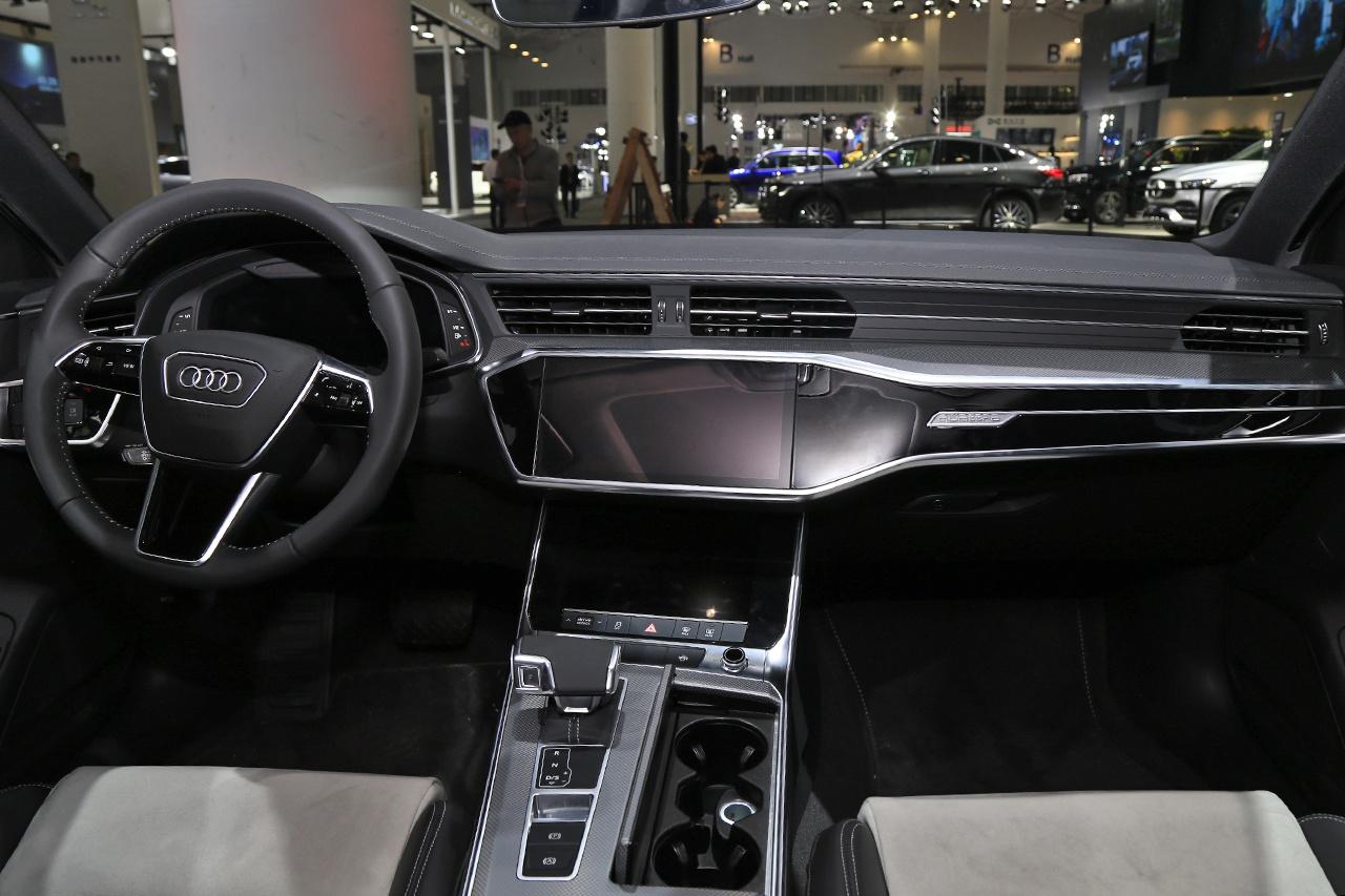 2020海口新能源车展:奥迪A6L e-tron亮相