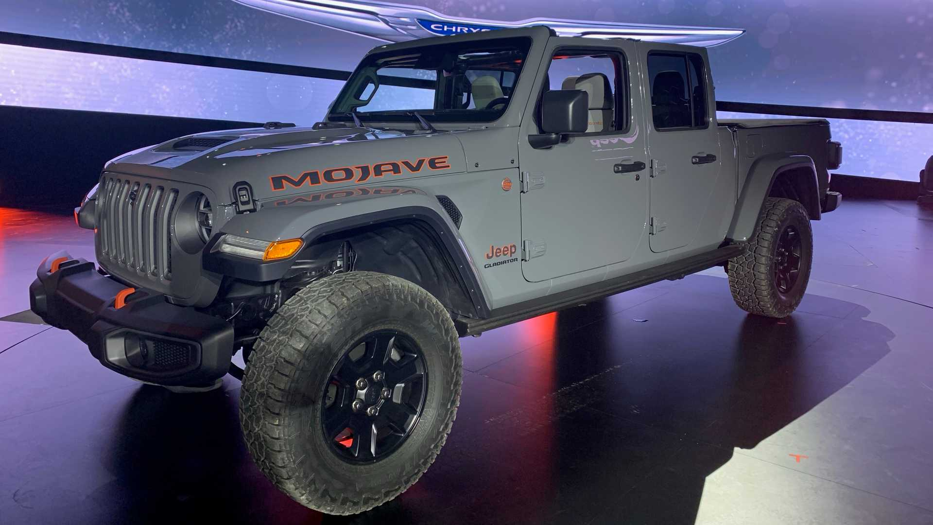 2020-jeep-gladiator-mojave-at-chicago-auto-show (1)