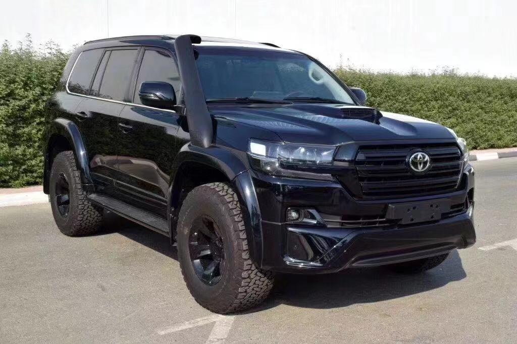 丰田酷路泽4500柴油版 黑金刚限量套件