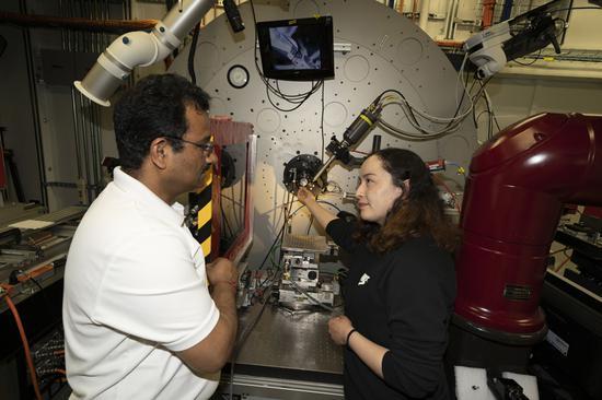 美国科学家研发有机阴极材料 可实现高能量密度锂电池