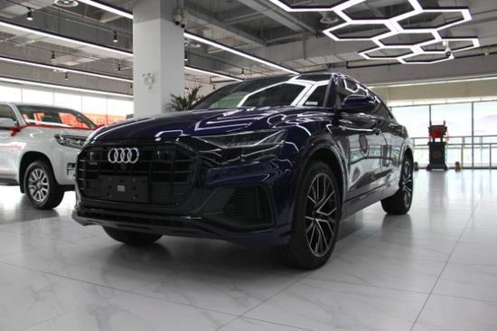20款奥迪Q8秋季最新报价订车优惠5-8万