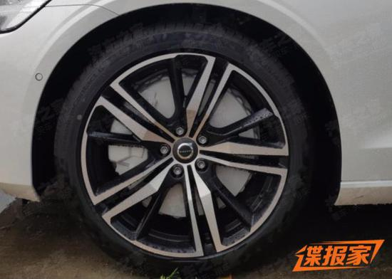 小号V90 全新沃尔沃V60将于8月上市