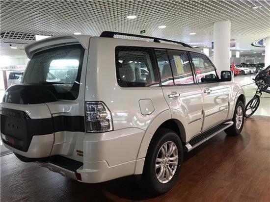 进口19款三菱帕杰罗V97山猫王子硬派SUV