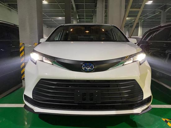 21款丰田塞纳2.5四驱混动国六45万起售