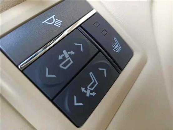 2020款埃尔法2.5L混动版现车优惠价格