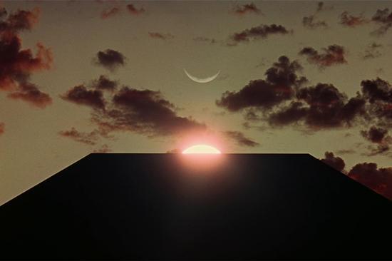 截图来自电影《2001太空漫游》