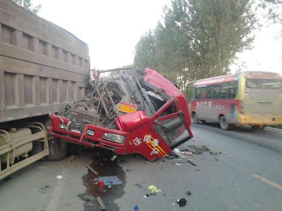 大车司机说遇到事故了老板还给奖励?