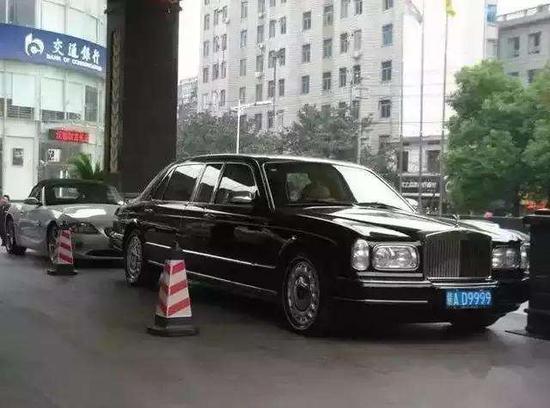 最罕见劳斯莱斯 中国仅一辆 车牌霸气