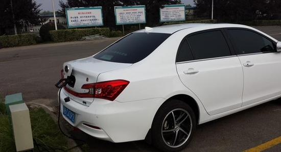 宝马戴姆勒等在中国的电动车市场投放比例,未来带来的充电桩兼容技术