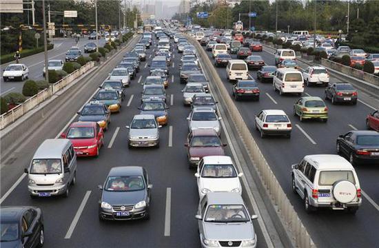 政府工作报告中,影响汽车发展的六大关键词