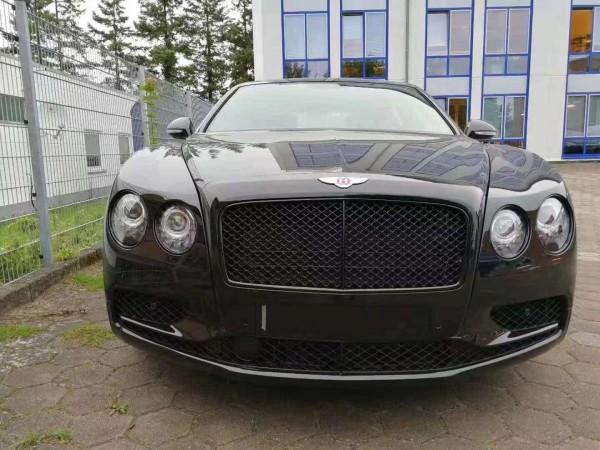 宾利飞驰V8S运动年轻气息奢华行政级车