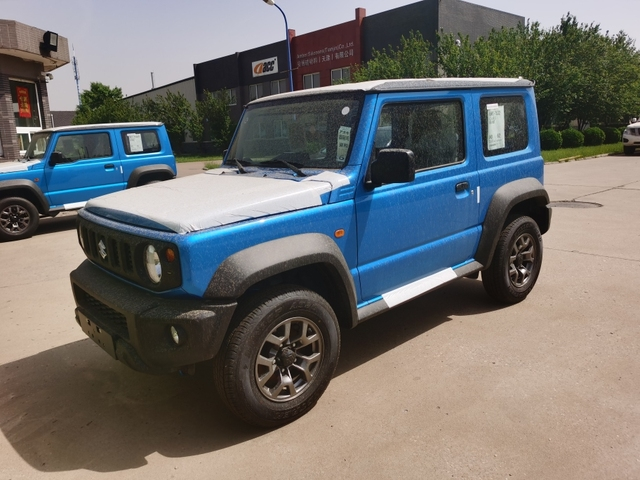 2020款铃木吉姆尼1.5L现车色全六月出售