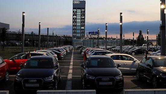 欧洲警告美国:若征收汽车关税,那等着3000亿美元的报复吧