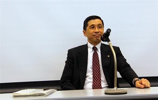 西川广人否认雷诺日产完全合并