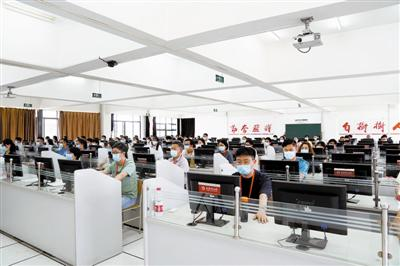 天津市高考评卷正在进行 预计25日公布高考成绩