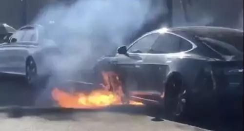 特斯拉电池自燃,来源:CNN报道转发的车主twitter