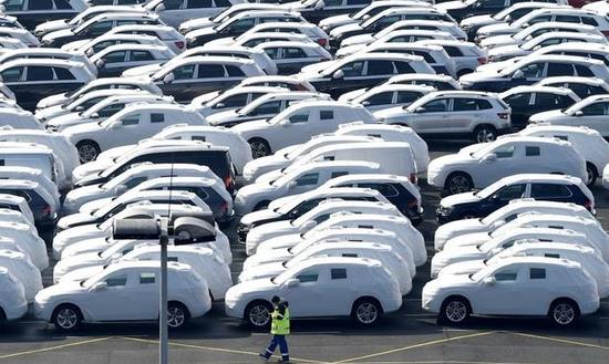 默克尔:将支持降低欧盟对美国汽车进口关税 但不可特殊对待