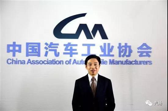 中国汽车工业协会副会长兼秘书长吴绍明跳楼去世