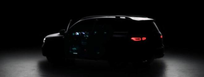 梅赛德斯-奔驰GLB量产版预告图