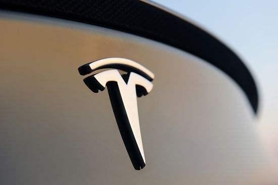 特斯拉宣布召回1.5万辆Model X