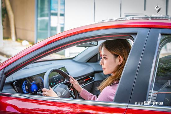 首次全女性试驾阵容!女性用户为何偏爱新宝骏?
