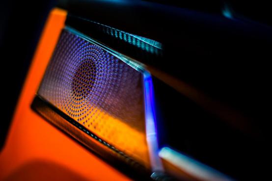 2020北京车展:LEVC与罗伦士联名高定车型LX全球首秀