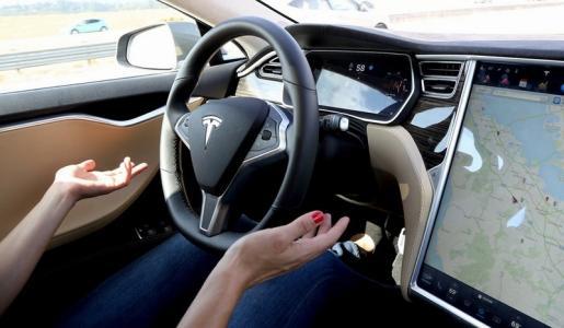 消费者报告:特斯拉最新自动驾驶更新存在严重安全隐患