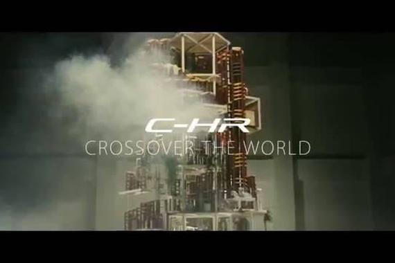 视频:深度跨界的世界 丰田与玩具车商合拍C-HR新车广告