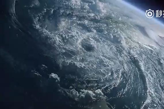 视频:奔驰X-第一辆豪华皮卡问世?