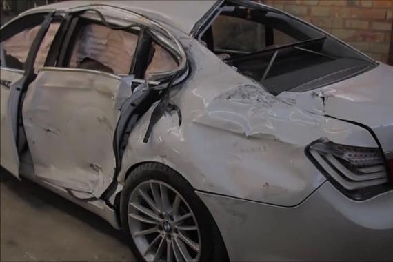 宝马740i事故车修复过程