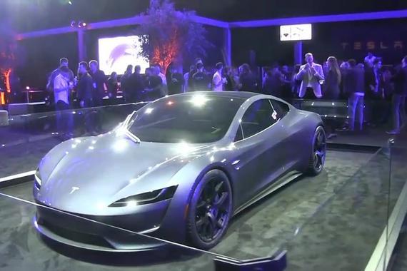 视频:实拍新款特斯拉Roadster,造型惊艳逆天