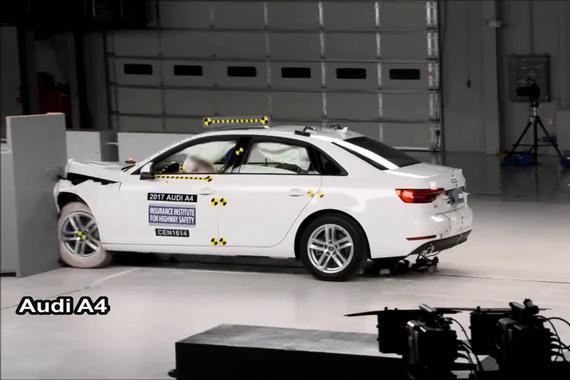碰撞测试:奥迪A4 VS 宝马3系
