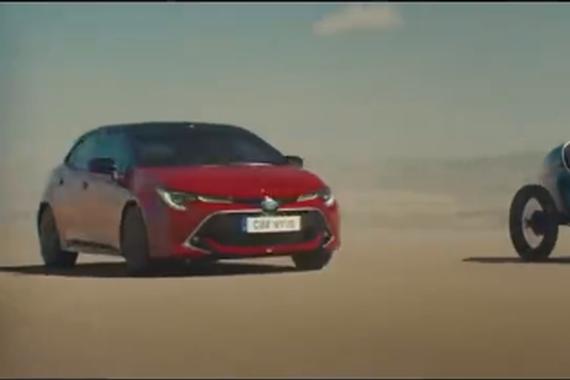 丰田新Corolla混动版广告